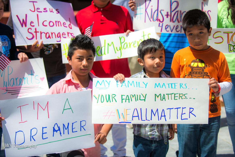 Kids-at-DACA-rally